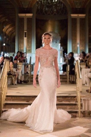 idan-cohen-fall-winter-2018-empire-of-love-wedding-dress-lace-gown-short-sleeve-long-train