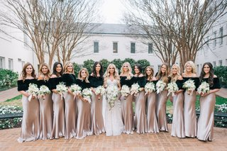 wedding-party-lots-of-bridesmaids-satin-dresses-with-black-off-shoulder-fur-stoles-winter-wedding