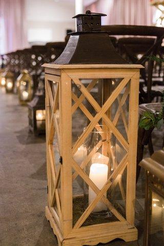 candle-in-wooden-lantern-wedding