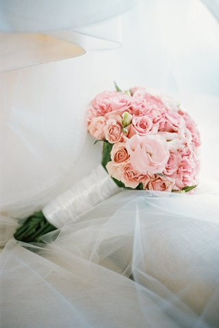 blush-bouquet-rose-and-carnation-bouquet
