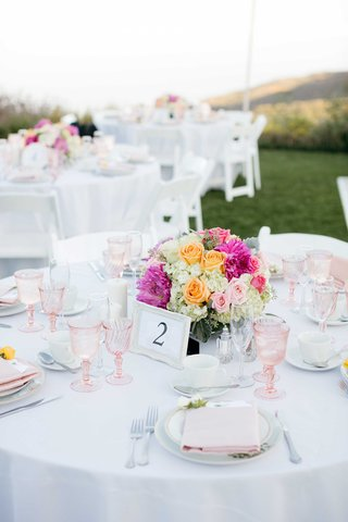 pink-wineglasses-orange-roses-pastel-table-setting