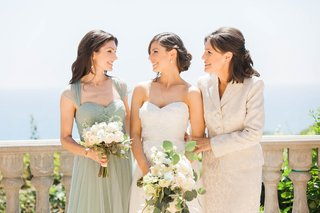 bride-with-her-sister-maid-of-honor-and-the-mother-of-the-bride-in-santa-monica