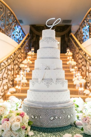 large-wedding-cake-on-swarovski-crystal-cake-base