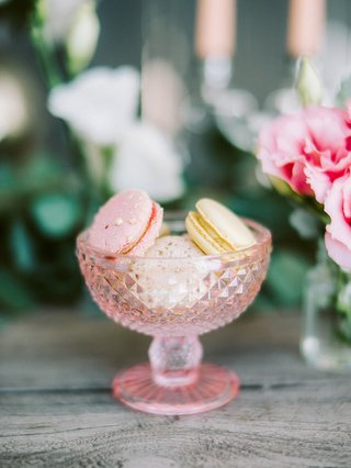 engagement-party-inspiration-pink-and-yellow-macarons-dusted-in-gold-with-pink-goblets