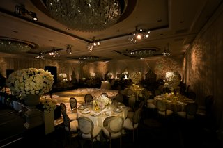 beverly-hills-ballroom-reception-with-ivory-and-neutral-decorations
