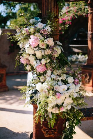 rustic-dome-column-with-ivory-roses-white-orchids-and-blush-peonies