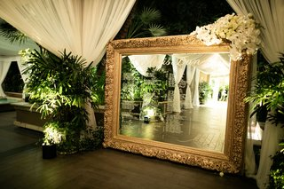 wedding seating chart reception gold frame with white calligraphy four seasons hotel los angeles at beverly hills