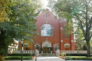wedding-ceremony-location-classic-church-wedding-catholic-house-of-worship