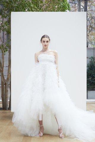merilin-oscar-de-la-renta-spring-2018-ivory-tulle-high-low-handkerchief-ball-gown