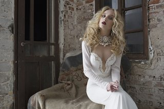 erica-wedding-dress-by-julie-vino-quartet-collection