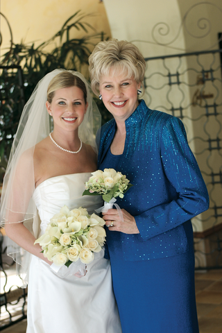 brides-mom-wore-bedazzled-royal-blue-blazer