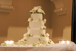 white-and-green-four-layer-wedding-confection