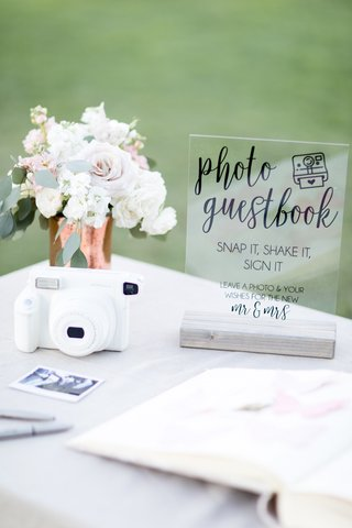 polaroid-guest-book-for-guests-to-take-instant-photos