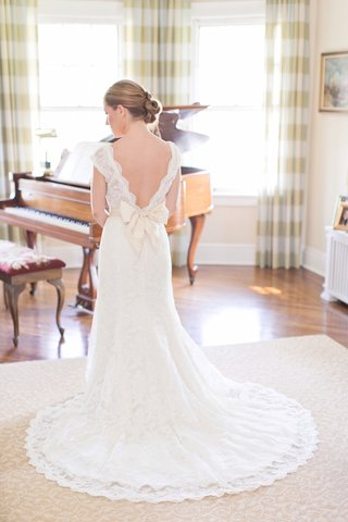 watters-wedding-dress-with-scallop-v-neck-back-and-ribbon