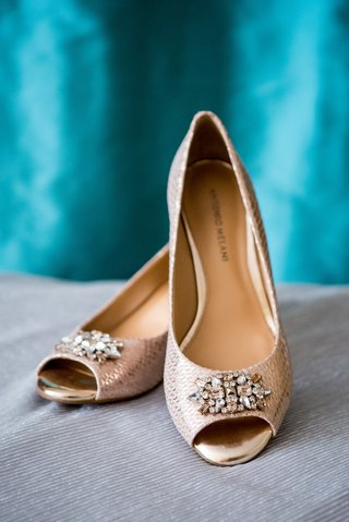 badgley-mischka-wedding-shoes-rose-gold-snakeskin-heels