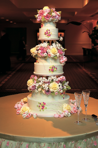 sylvia-weinstock-flower-wedding-cake