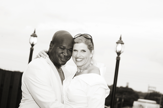 black-and-white-photo-of-interracial-couple