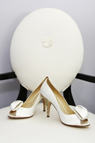 kate-spade-bridal-shoes-with-gold-glitter-heel