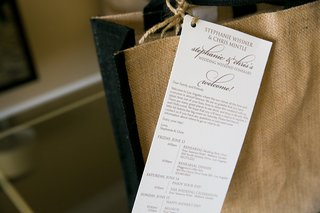 burlap-tote-bag-with-wedding-weekend-itinerary-attached