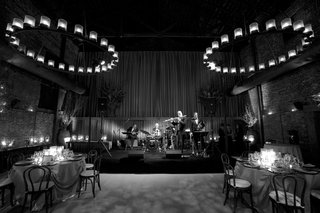 black-and-white-photo-of-wedding-band-in-wine-country
