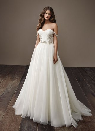 badgley-mischka-bride-2018-collection-wedding-dress-beverly-off-shoulder-sheath-a-line-bridal-gown
