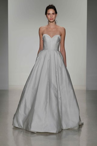 kelly-faetanini-fall-2016-strapless-ball-gown