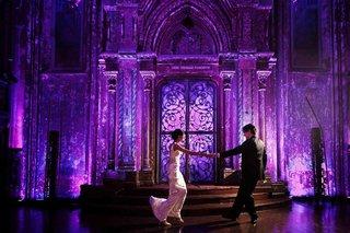 bride-and-groom-dancing-at-angel-orensanz-venue
