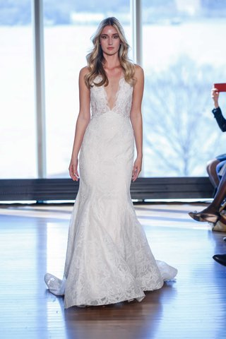 rivini-joni-deep-v-neck-wedding-dress-in-lace-fit-and-flare