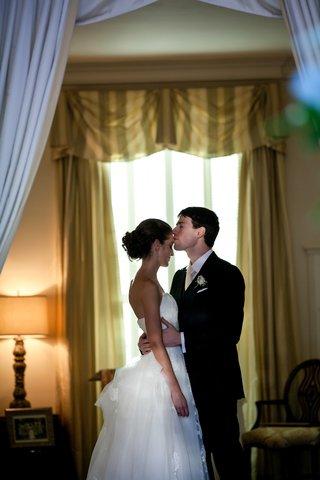bride-and-groom-moment-at-the-darlington-house-la-jolla-ca