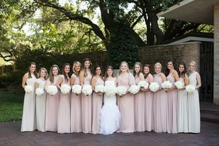 bride-with-large-bridesmaid-wedding-party-pink-ivory-dresses-white-bouquets