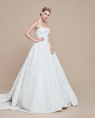 ebru-sanci-2018-bridal-collection-wedding-dress-ball-gown-strapless-long-train-beading