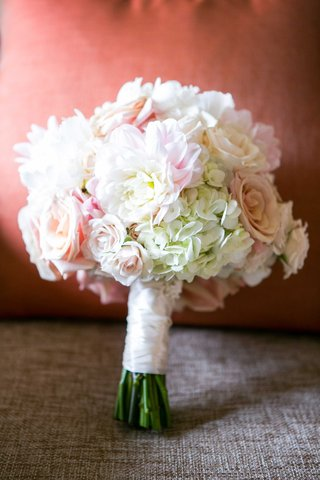 ivory-and-blush-bridal-bouquet-roses-and-hydrangeas-rose-hydrangea