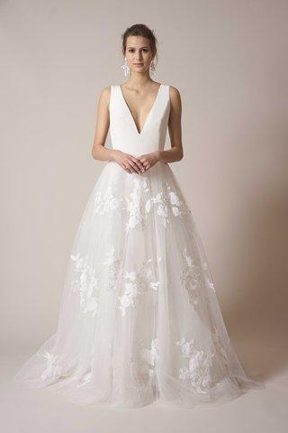 sachin-babi-spring-summer-2017-debut-bridal-collection-v-neck-bodice-tulle-embroidered-ball-skirt