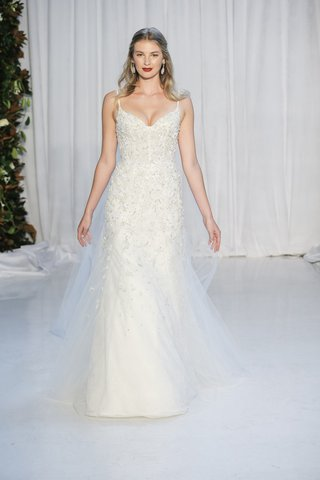 anne-barge-fall-2018-corseted-ballerina-bodice-fit-and-flare-tulle-chantilly-lace-beading