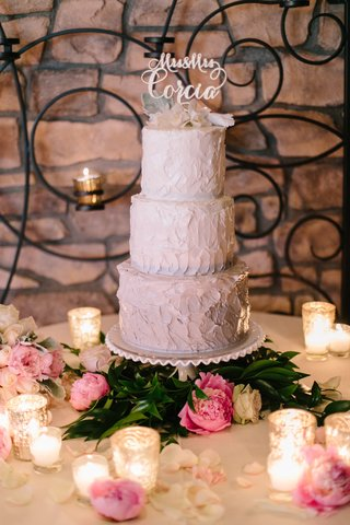 cake-with-buttercream-frosting-ombre-grey-gradient