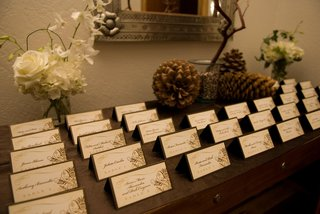 rustic-wedding-brown-place-cards-on-wintry-table