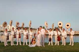mariachi-band-at-destination-wedding-in-cabo-san-lucas-with-bride-and-groom