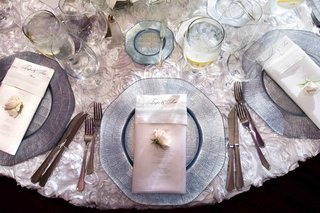 unique-charger-plate-and-clear-dinner-napkin