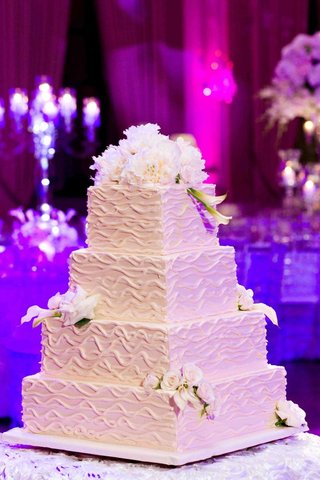white-confection-with-fresh-flowers-and-ripple-design