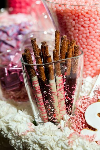 glass-vase-filled-with-chocolate-covered-pretzels