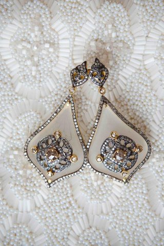 pair-of-crystal-and-gold-antique-looking-earring