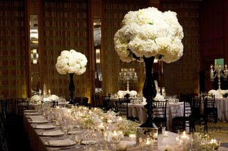 black-and-white-dinner-table-decor