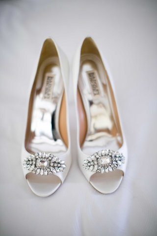 badgley-mischka-bridal-high-heels-shoes-peep-toe-with-crystal-details
