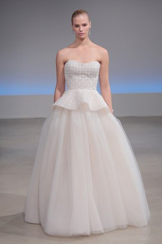isabelle-armstrong-olivia-fall-2017-beaded-eyelet-organza-peplum-ball-gown-tulle-underskirt