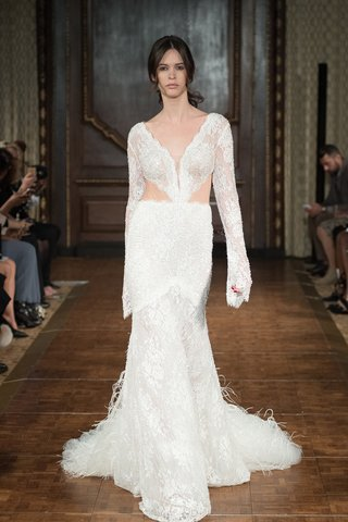 idan-cohen-fall-2017-maria-long-sleeve-lace-piece-paired-tulle-ostrich-feathers-cutouts-waist