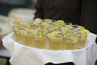 tray-passed-tequila-cocktails-with-lime-garnish