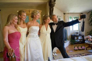 the-big-lebowski-takes-selfie-with-bridesmaids