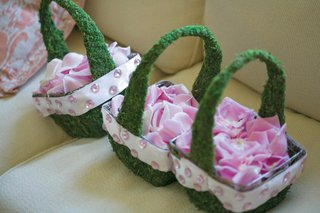 moss-covered-basket-with-pink-petals