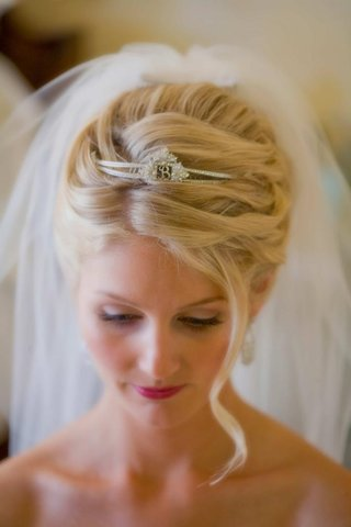 isabelle-bridges-sparkling-headpiece-and-veil