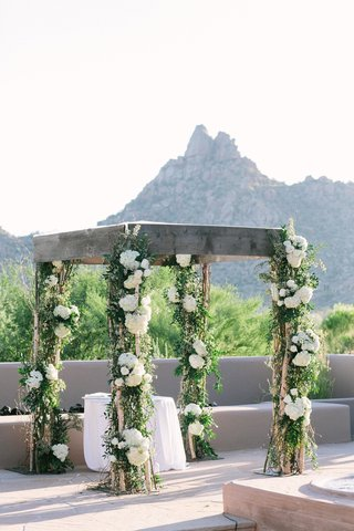 wood-chuppah-at-desert-wedding-with-hydrangea